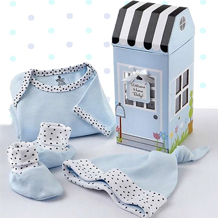 Baby Boy Comes Home Layette Set