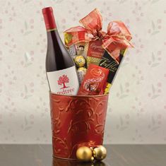 Merry Christmas Pinot Noir Wine Gift Basket