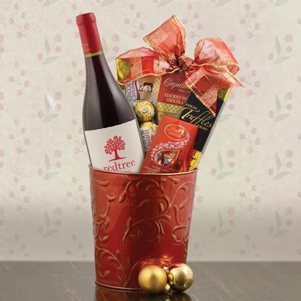 Merry Christmas Pinot Noir Wine Gift Basket