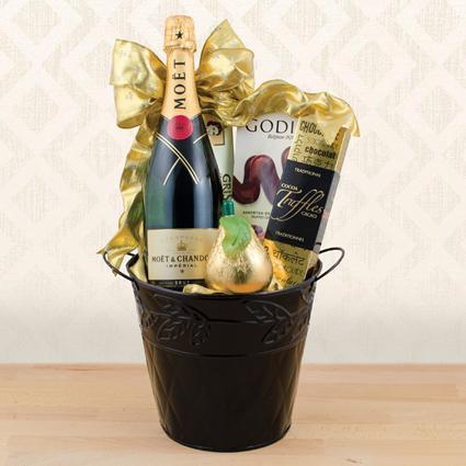 Moët & Chandon Champagne Gift Basket