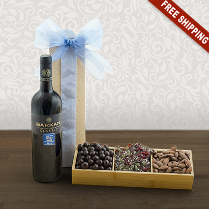 Perfect Pinot Noir & Snacks Tray